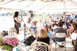 'Sing Out' Holds 9th Annual Music Benefit for Rhode Island Hungry