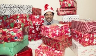 Shoebox Project Gives Gifts to Homeless