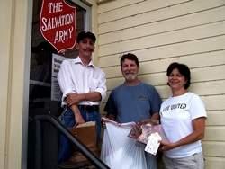 Landmark Forum: Give 5 Drive Soutient l'Armée du Salut